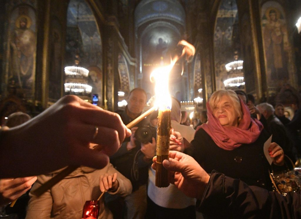 иерусалимские свечи, храм, огонь, праздник, люди