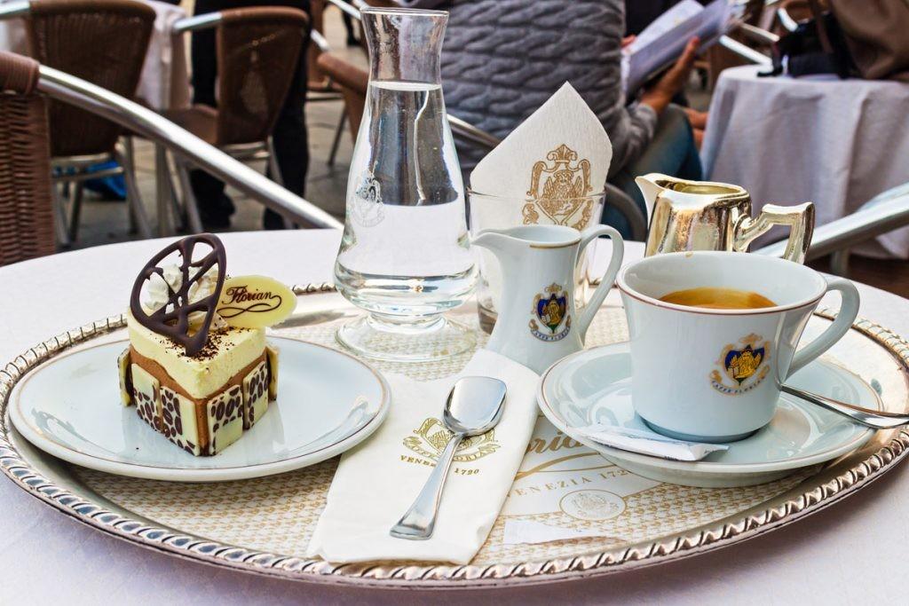 Венеция, кофе, десерт