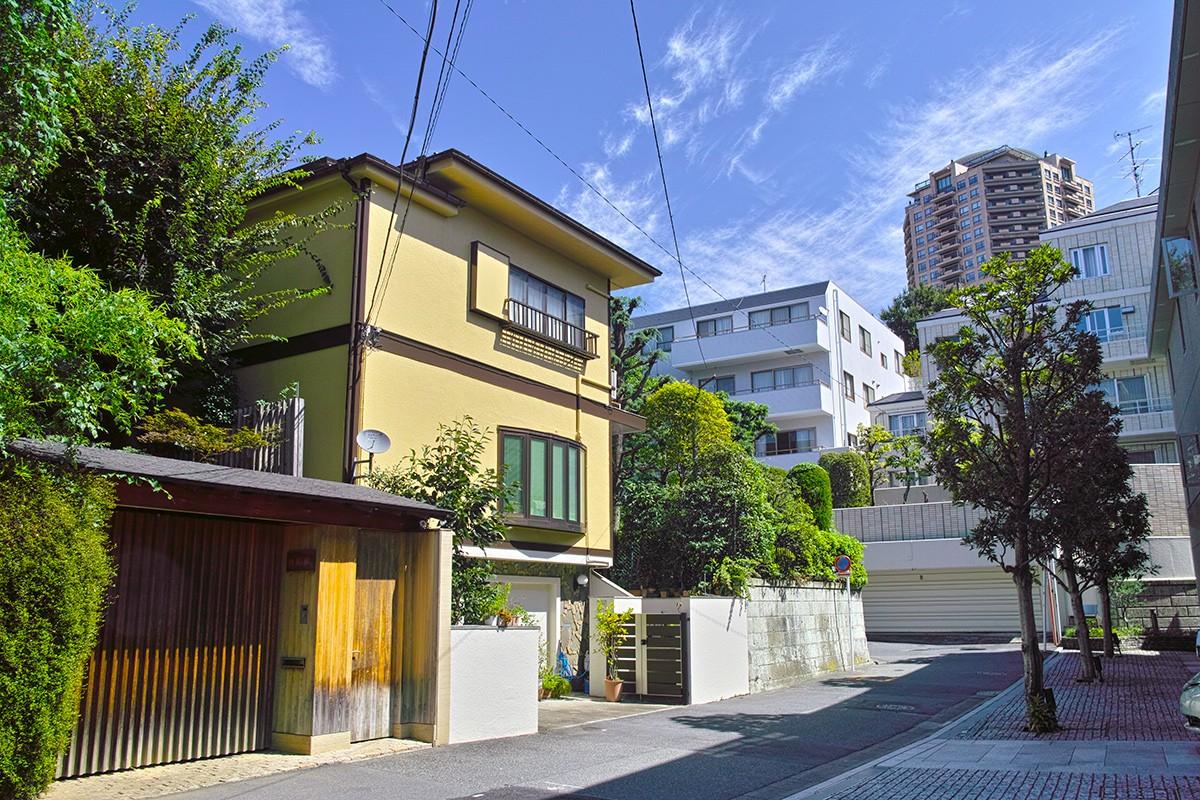 Ландшафт жилого района Motoazabu, токио Minato-ku. Эта область - область холма, расположенного на юге Роппонги. Токио. Япония