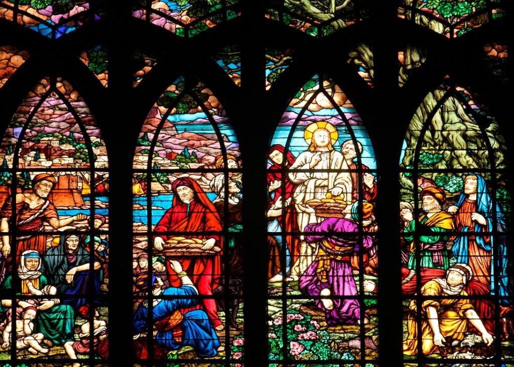 Храм святого Иоанна Богослова, Париж, Франция, rue des Abbesses, витраж