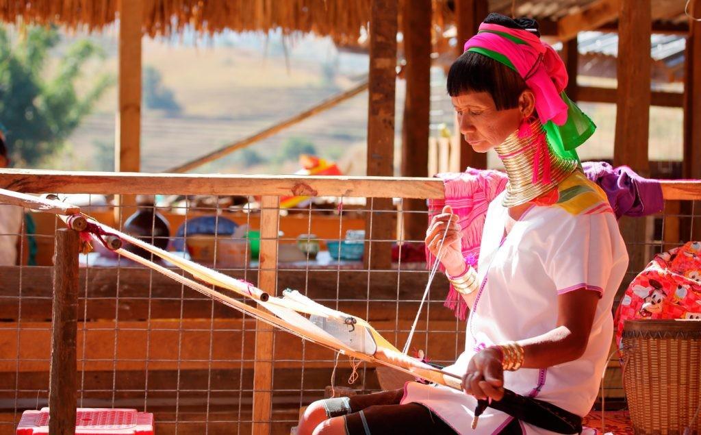 Женщины Мьянмы, шея, украшения