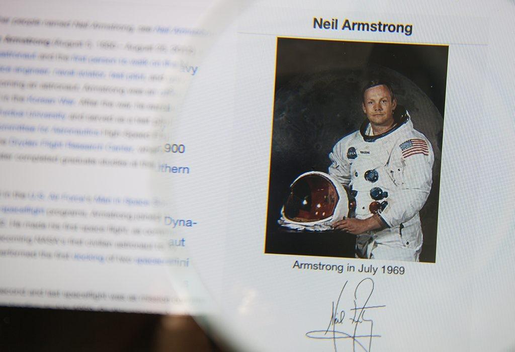 Нил Армстронг, луна, первый на Луне