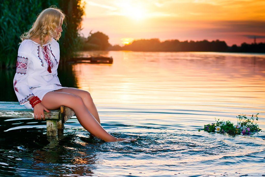 венко, Купала, вода, река, праздник, гадание, традиции, девушка, лето, обряд