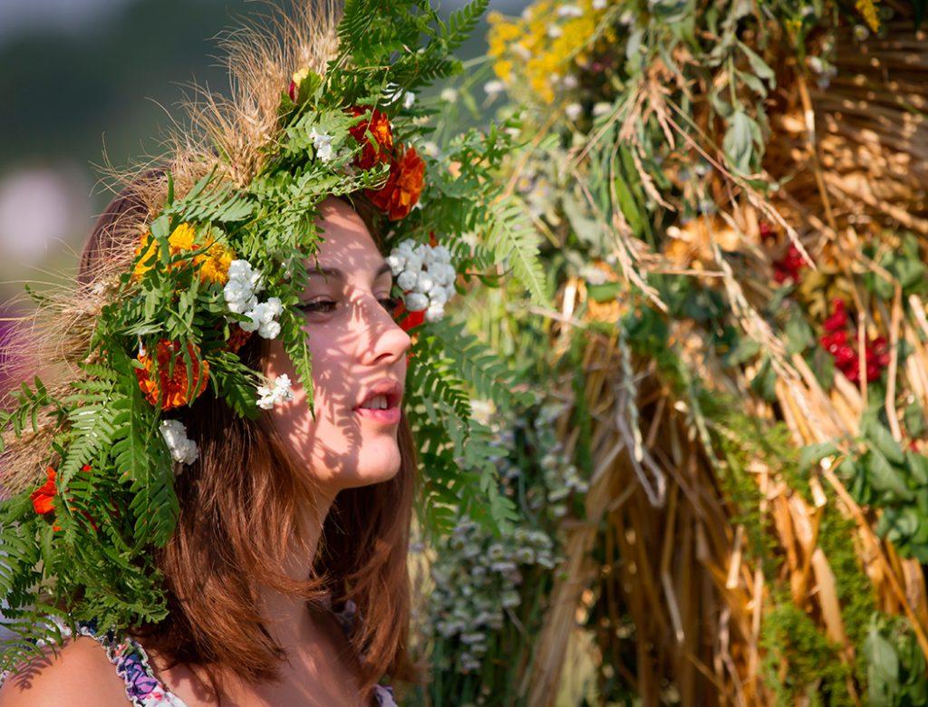 лето, трава, купала, огонь, мистика, традиции, девушка