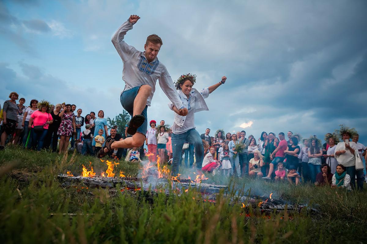 костер, Ивана Купала, прыжки, огонь, веселье, традиции, праздник