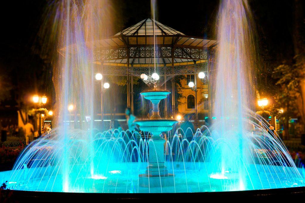 Одесса, фонтан, ночь, огни, парк