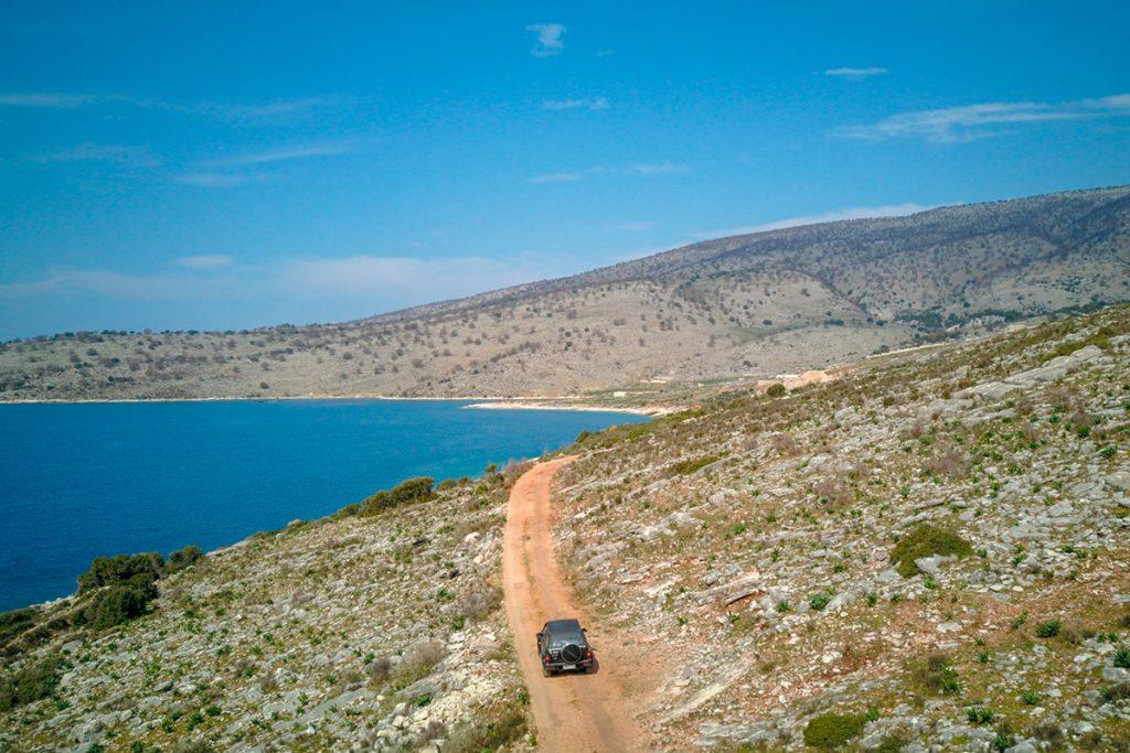 Саранда, Албания, море, отдых, путешествие, пляж, гора, машина
