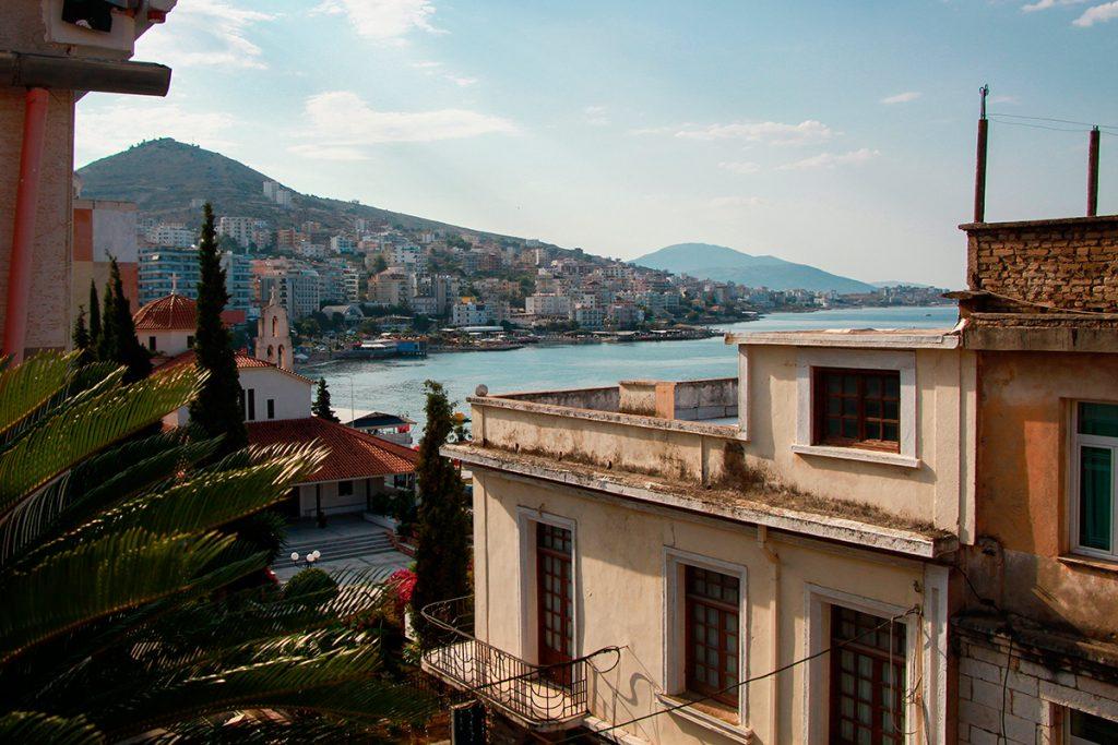 Саранда , Албания, вид, море, город, храм