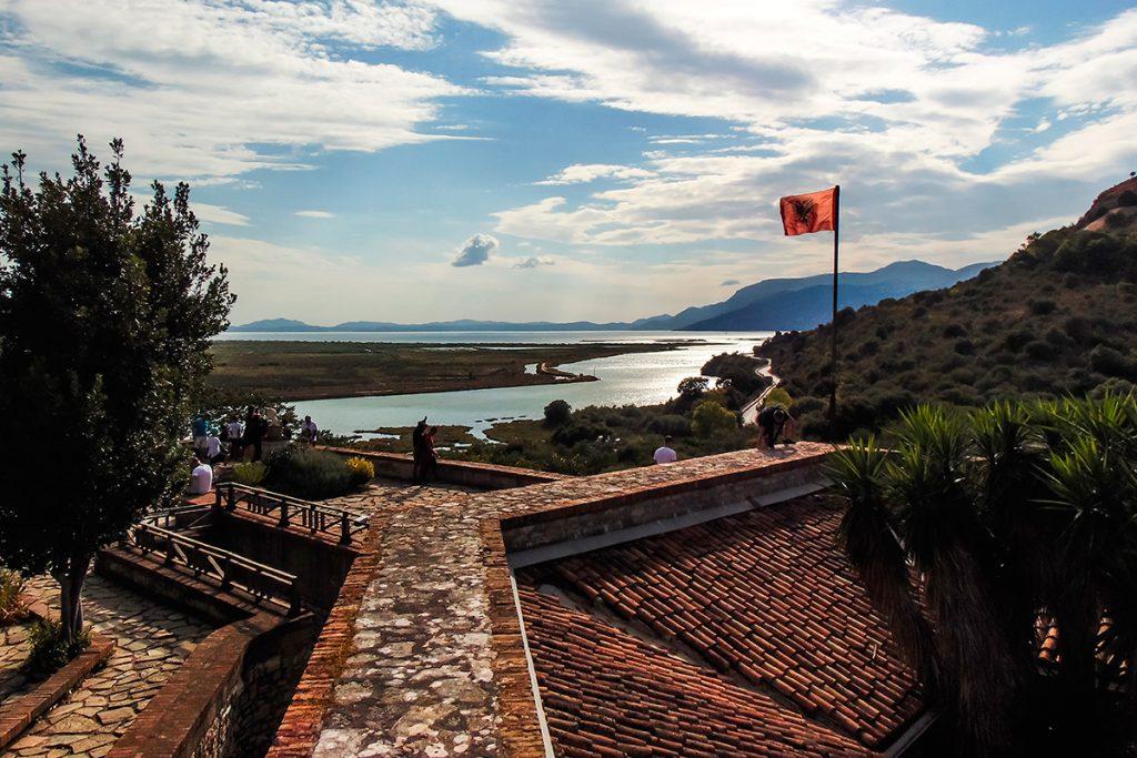 крепость, руины, Саранда , Албания, камень, флаг, море, крыша