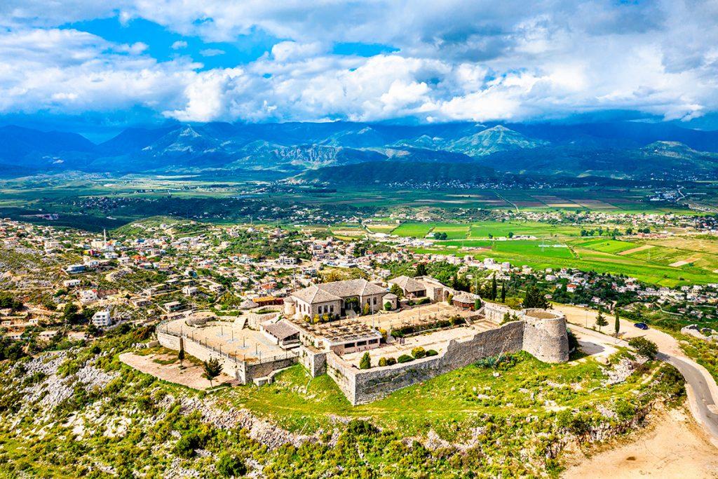 Саранда, Албания, море, отдых, путешествие, пляж, гора, пейзаж, история