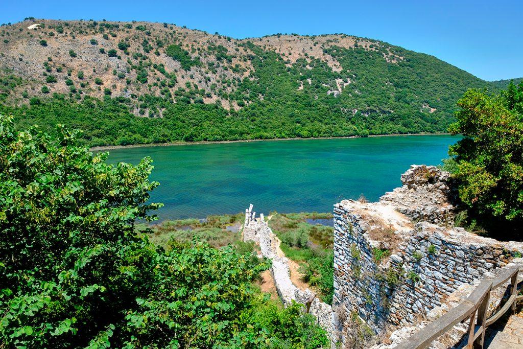 Бутринти, крепость, руины, ЮНЕСКО, Саранда , Албания, камень, стены, природа, путешествие, море, горы