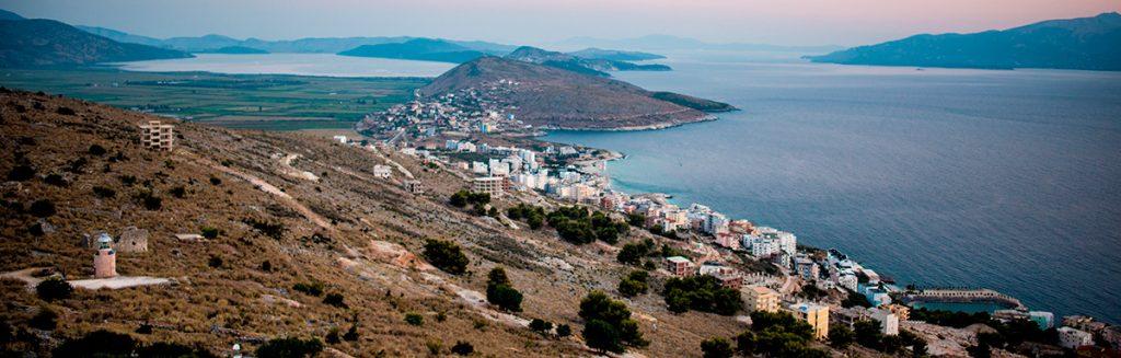 Саранда , Албания, вид, пейзаж, море, горы, природа, путешествие, закат, красота
