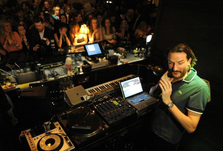 Бегбедер DJ ночной клуб