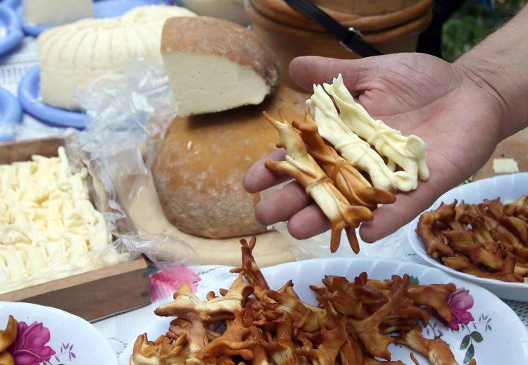 сувениры из сыра и брынзы