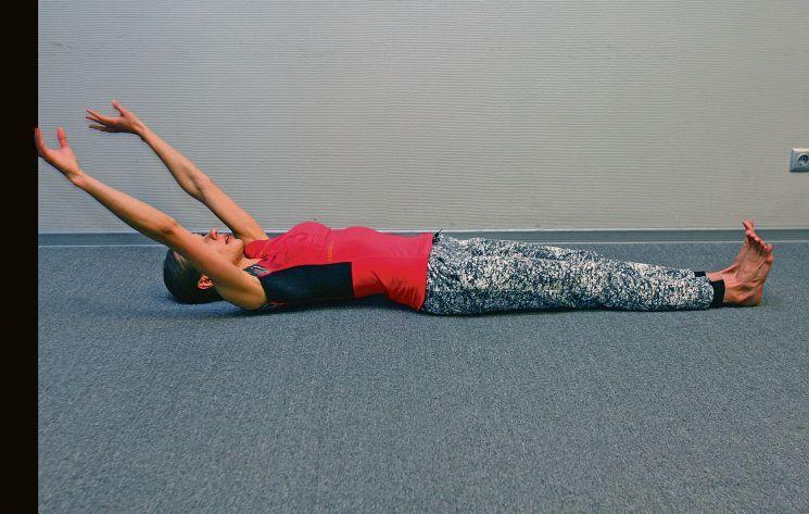 Упражнения в постели: потягиваемся