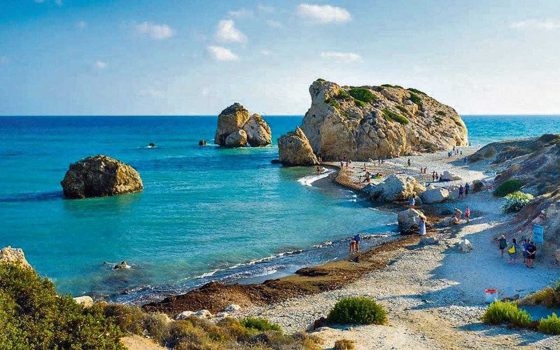 В отпуск на остров Кипр – виза на дому, молодое вино и горы крабов