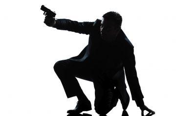 шпионский детектив, Томас Росс