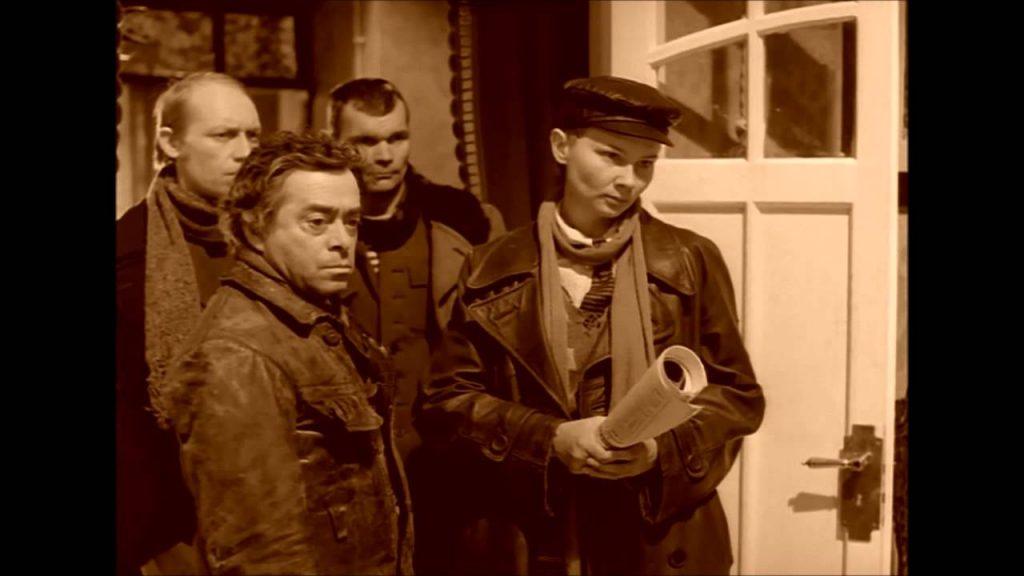 Жилтоварищи в квартире Преображенского