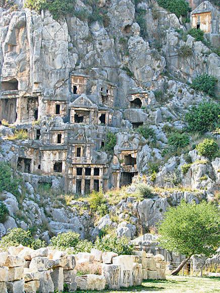 Гробницы в скале, Анталья