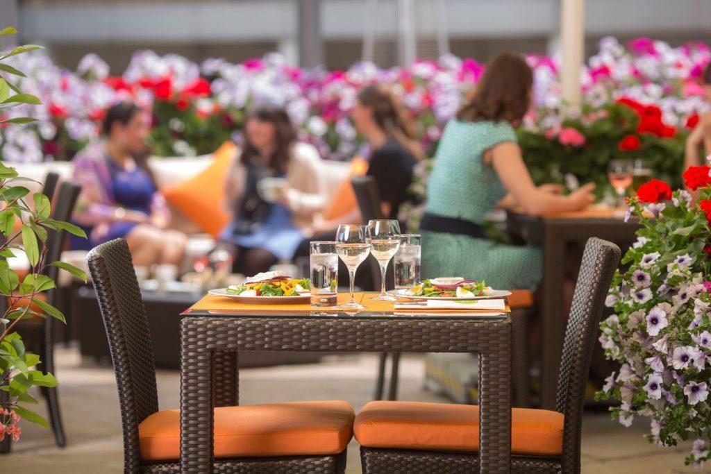интересные места в Лондоне, The Terrace, Jumeirah Lowndes Hotel, алкоголь, путешествия, джин-коктейль, Лондон,
