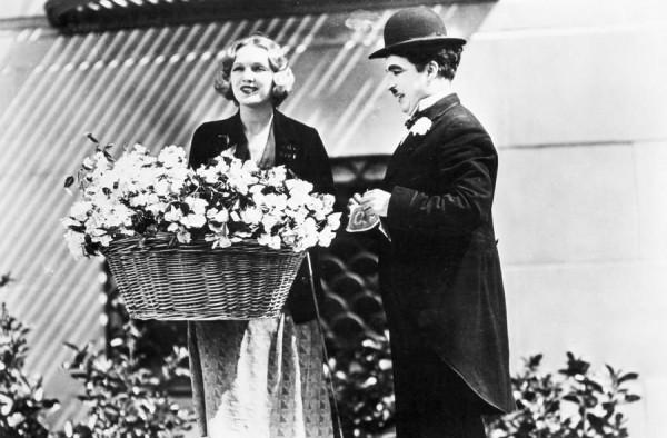 Бродяжка знакомится с девушкой, роли Чаплина, Чарли Чаплин