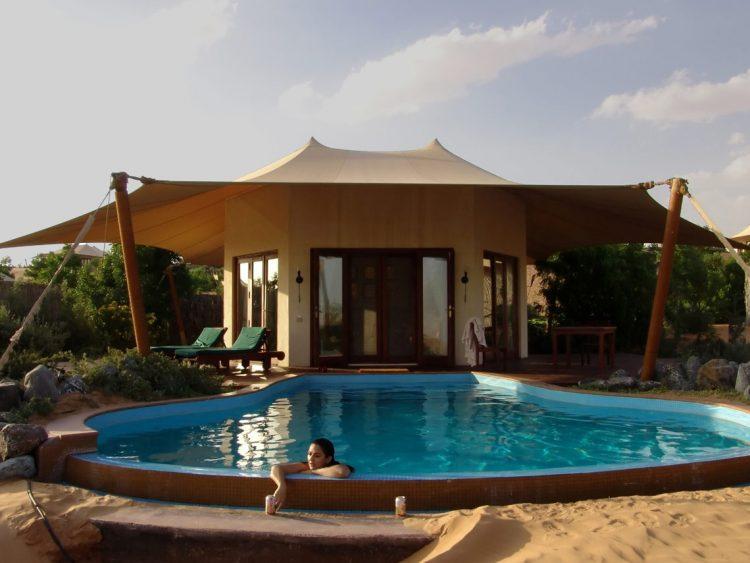 Al Maha Desert Resort, необычные отели