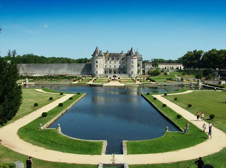 самые необычные отели мира, замок Карабаса