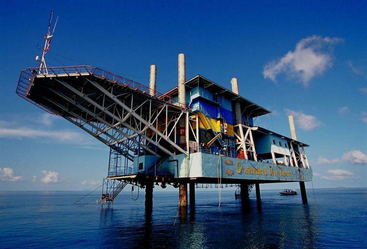 Seaventures Dive Resort, необычные отели