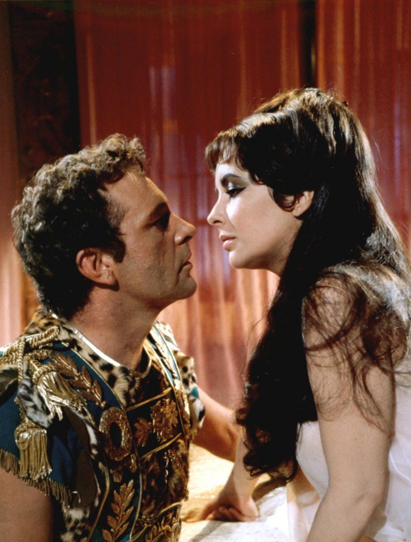 Клеопатра и Антоний: игра престолов и разрушающая любовь