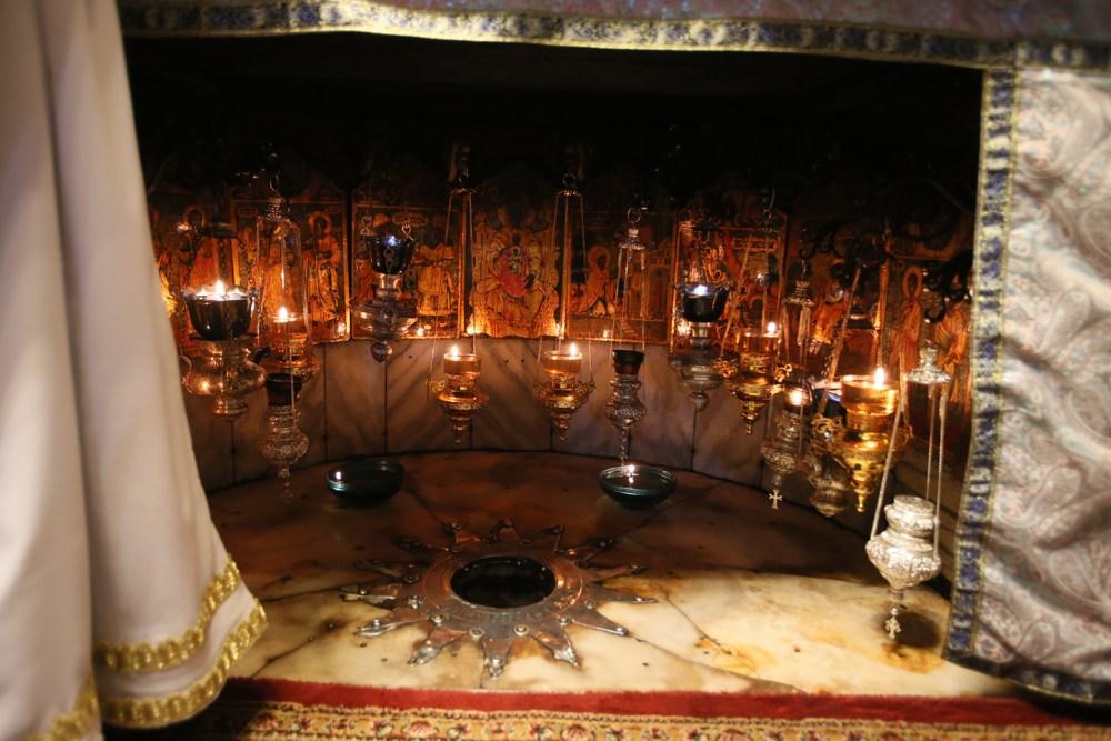 Вифлеемская звезда, пещерка Рождества