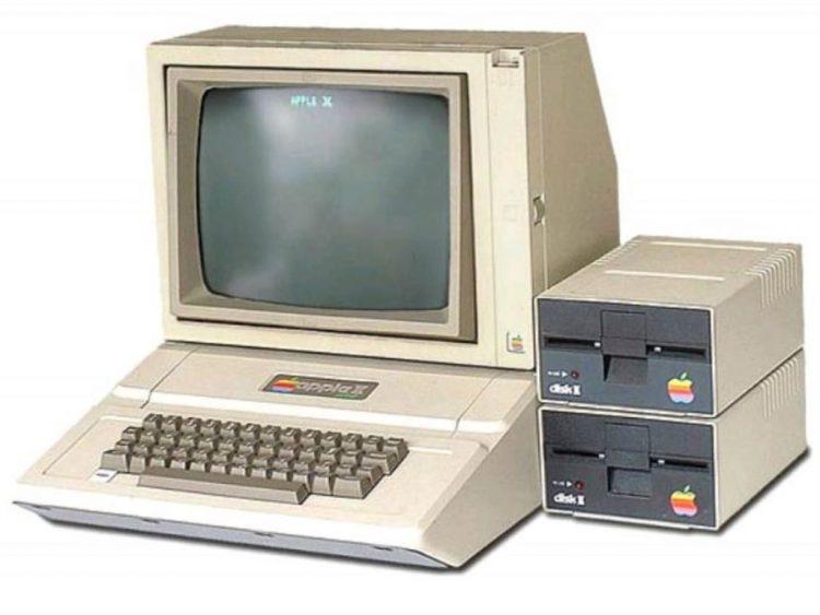 Apple2, второй компьютер Apple, Стив Джобс, Стив Возняк