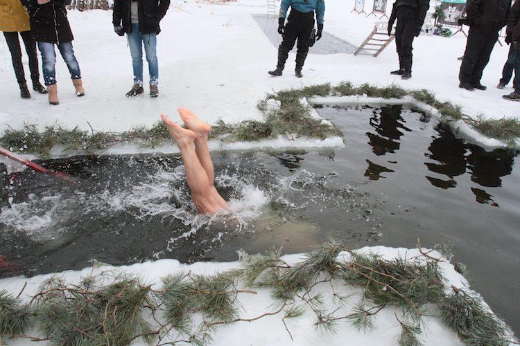 крещение, водохреща, парк дружбы народов, прорубь, ополонка, моржи