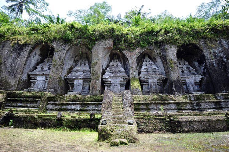 Бали, пещерный город Гунунг Кави