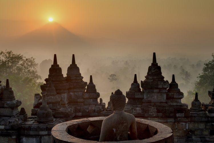 майские праздники, Индонезия