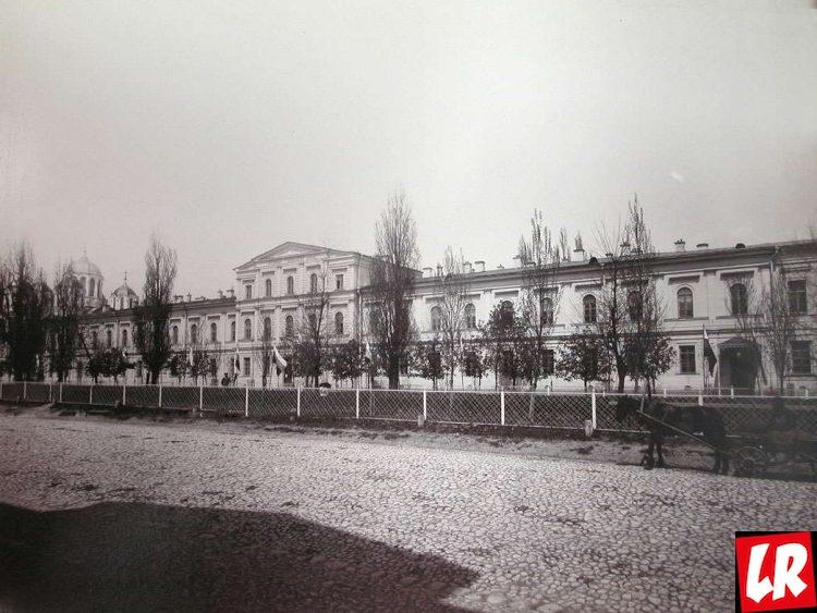 Михаил Булгаков, Киев, гимназия, бульвар Шевченко