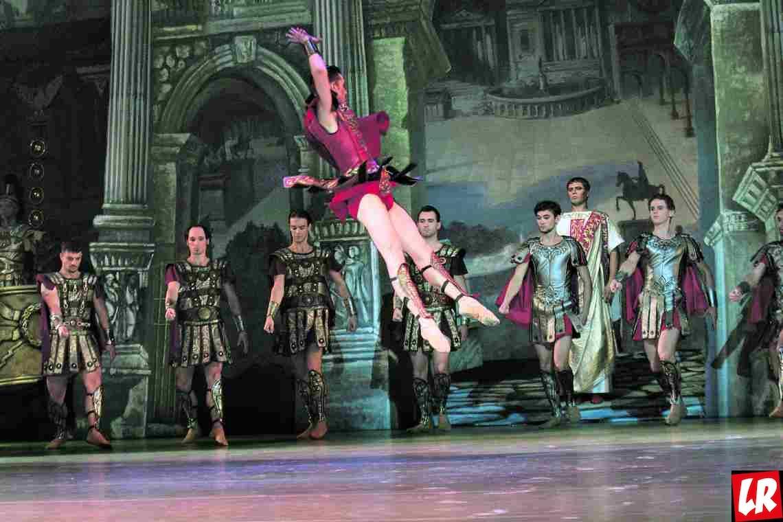 """Балет """"Юлий Цезарь"""" — интриги, оргии и боевые танцы в Опере"""