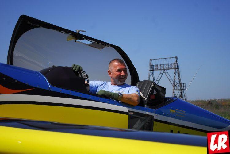 Аэробатика, акробаты на самолетах Валерий Наливайко