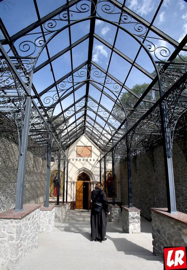 Введенский скит, монастырь в Томашовке, храм Успения Богородицы