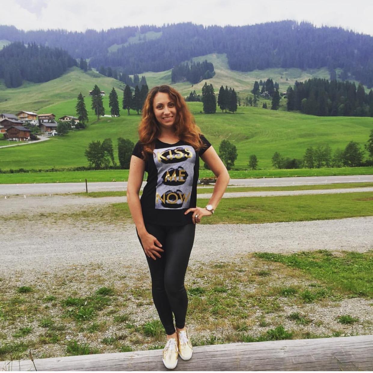 Жизнь в Швейцарии, героиня, ПМЖ