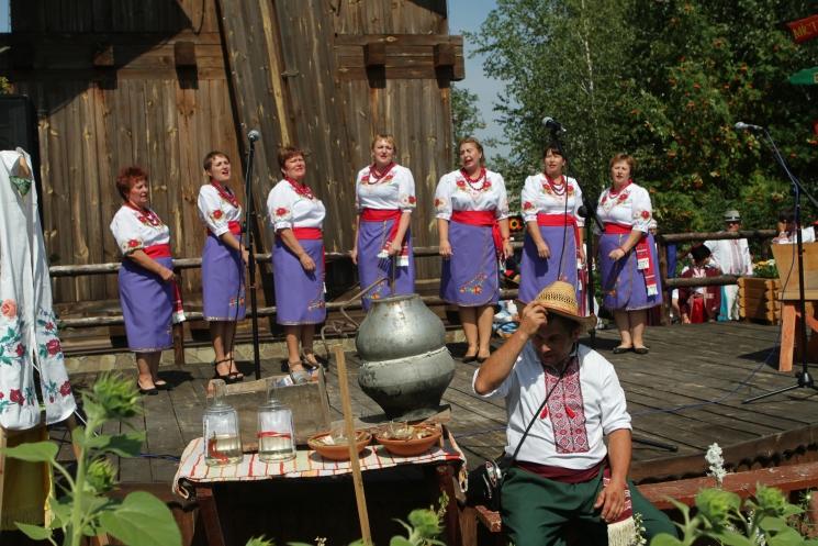 Сорочинская ярмарка, народный ансамбль