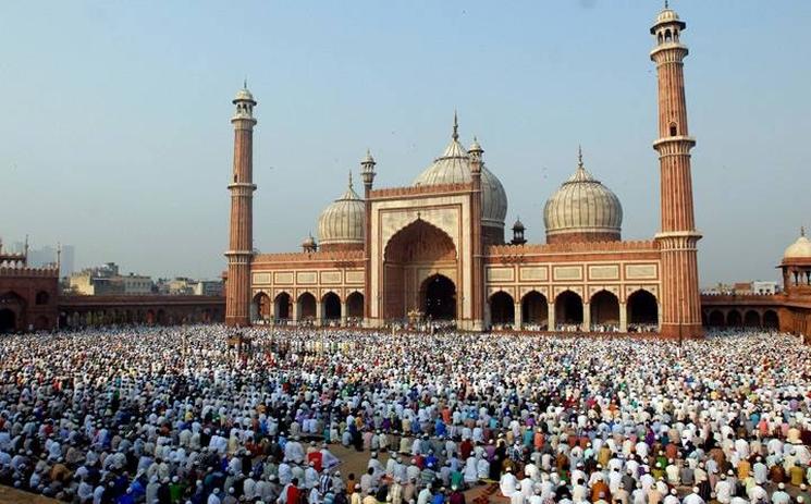 фишки дня - 21 августа, Курбан-байрам, мечеть Индия