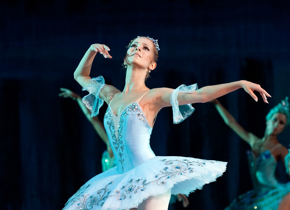 "Балерина Екатерина Ханюкова: ""На сцене напрягается тело, а не я"""