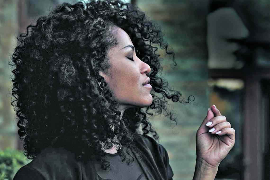 Певица Гайтана и ее секреты красоты – чемерица и зарядка дома