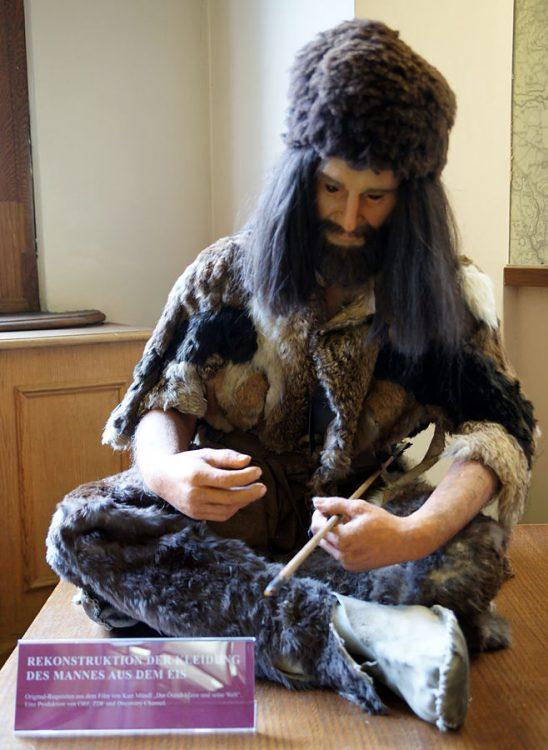 раскопки, археология, реконструкция одежды Эци, Музей естественной истории в Вене