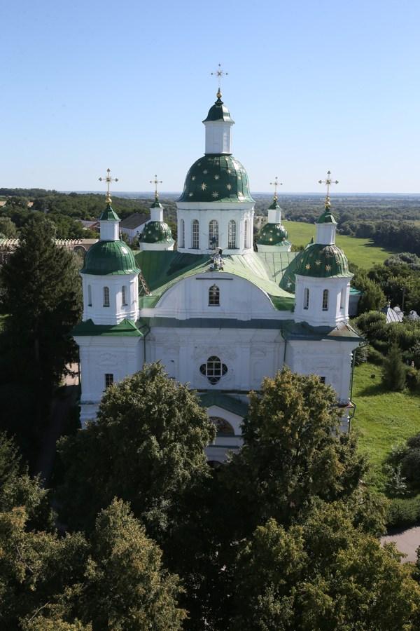 Мгарский монастырь, история Мгарского монастыря, вид сверху