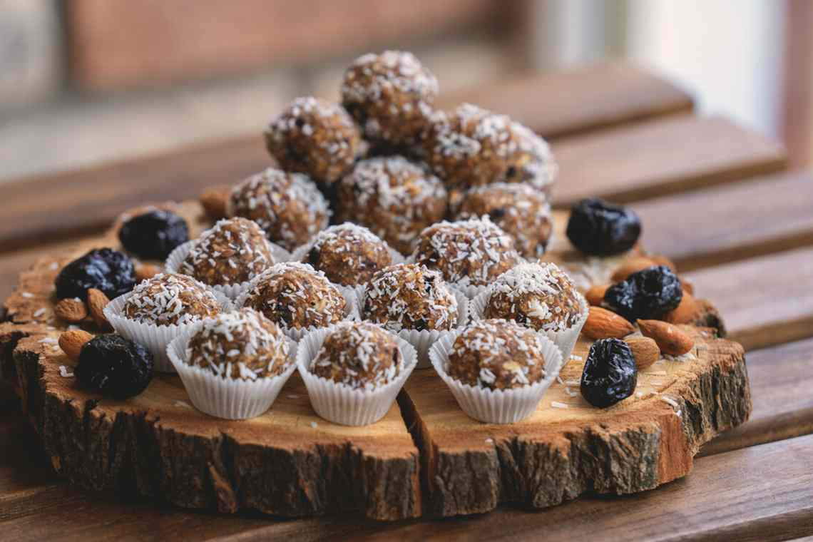 Рецепт дня – живые конфеты из сухофруктов и орехов