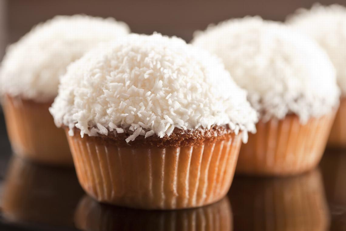 Рецепт дня – полезные кокосовые кексы без сахара для детей в школу