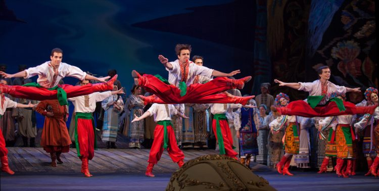 Запорожец за Дунаем, танец, гопак, опера в октябре