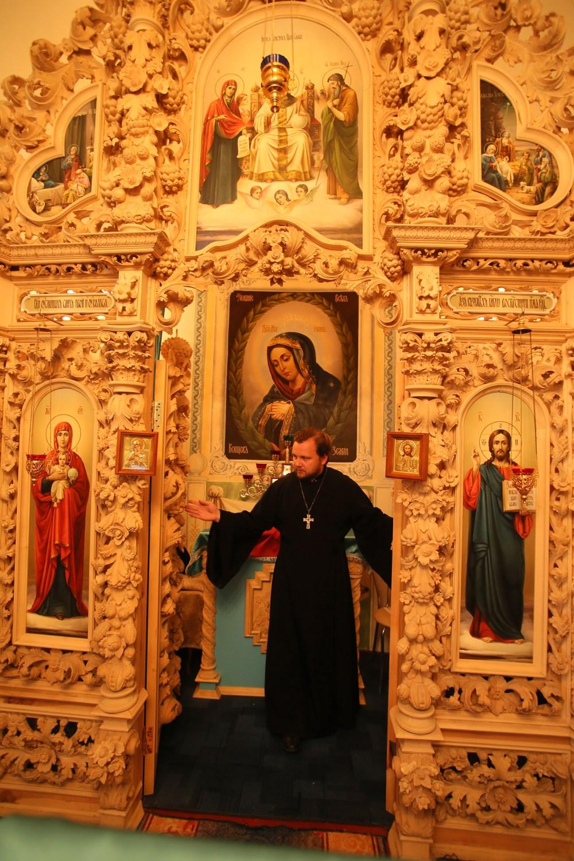 Полтавский монастырь, спецпроект Тайны монастырей, Иконостас в венчальном пределе колокольни Полтавского монастыря