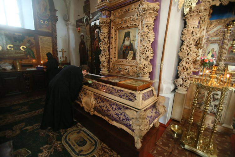 Полтавский монастырь, спецпроект Тайны монастырей, Мощи святителя Иллариона
